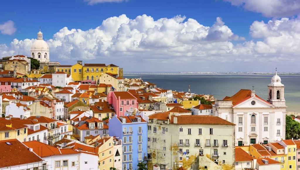 Lisbon-alfama-1500x850