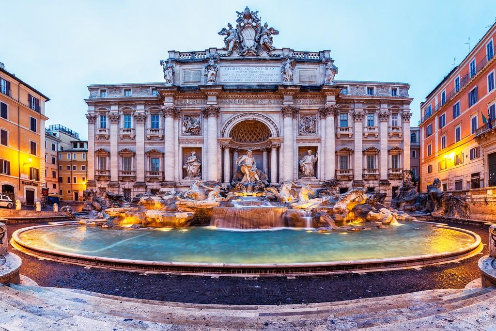 rome trevi fountais