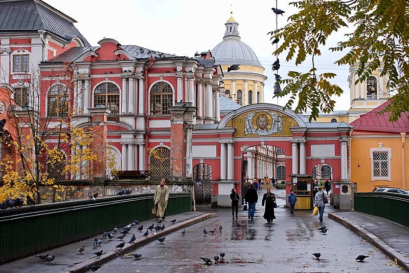 alexander-nevsky-monastery-in-st-petersburg