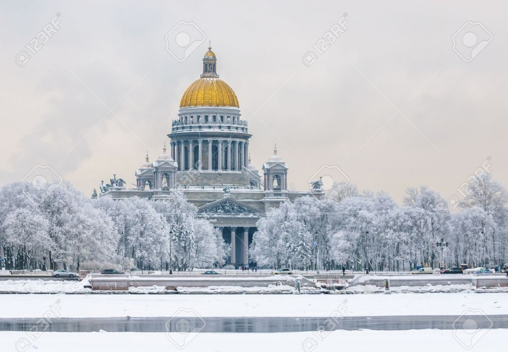 50153458-saint-isaac-s-cathedral-in-winter-saint-petersburg-russia