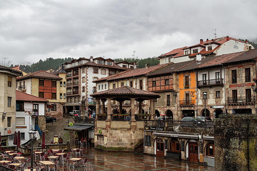 3-potes-spain-shirley-mitchell