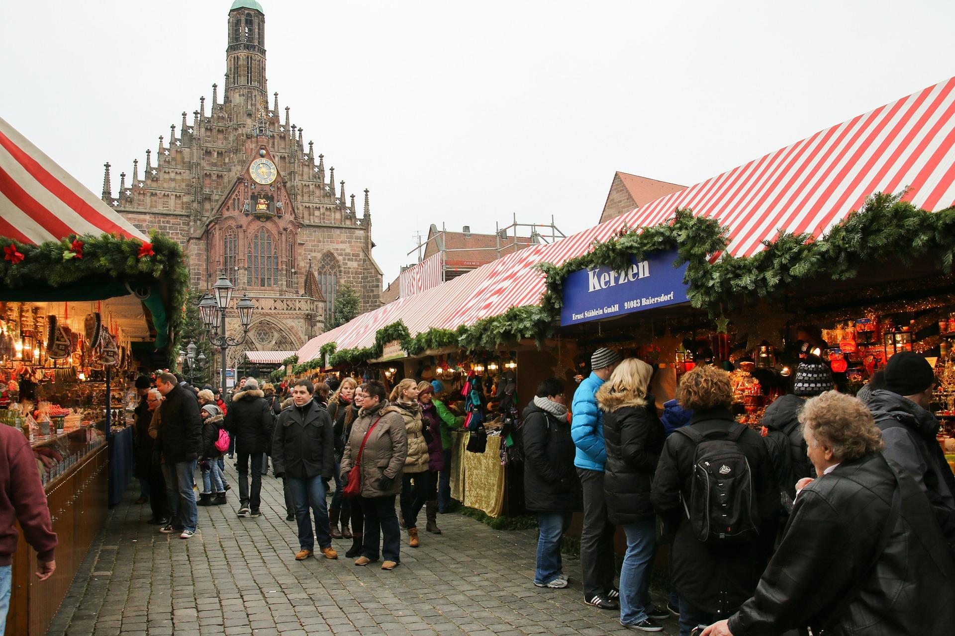 christmas-market-551336_1920