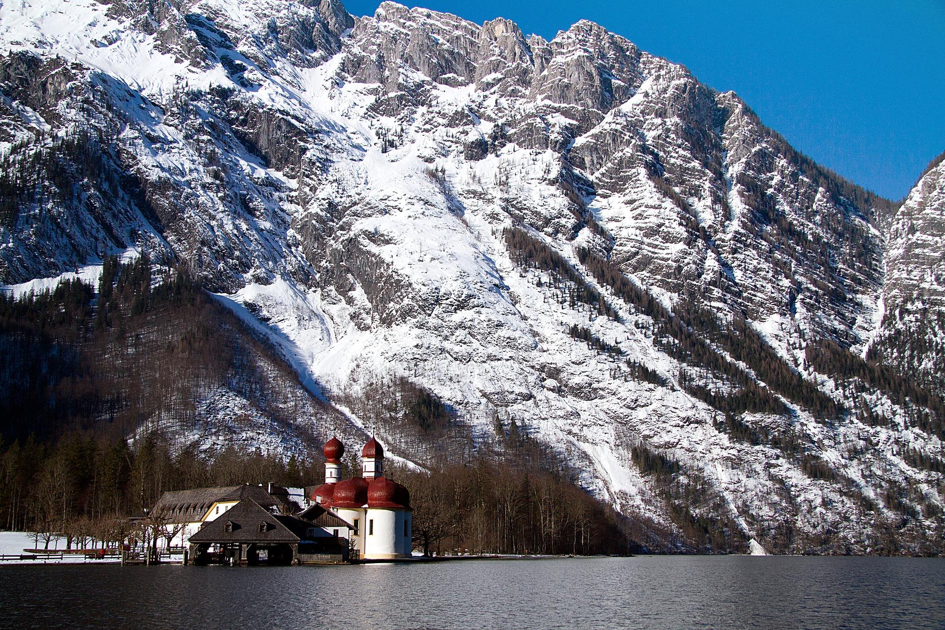 king-lake-1765878_1920